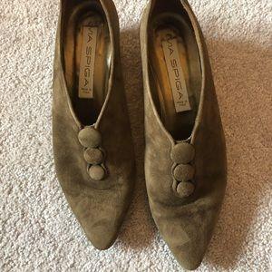 Via Spiga 8 brown suede button heeled booties